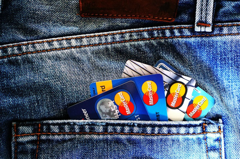 Aprire un conto corrente all'estero è legale?