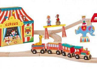 Ci sono molte marche di set di treni in legno