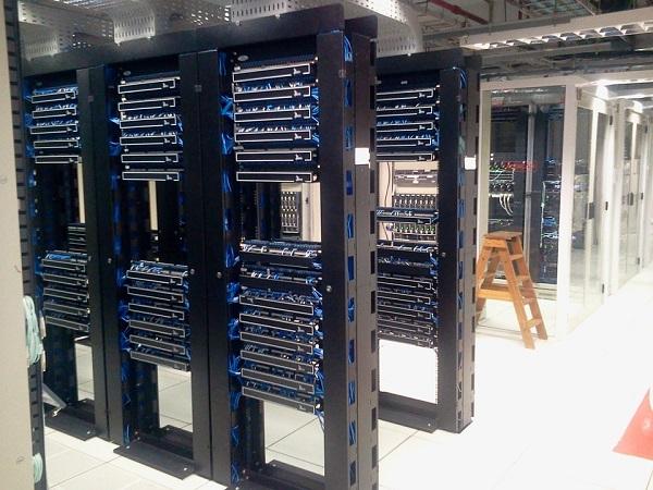 comunicazione avviene tra un sito Web e un server